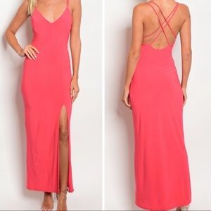 Dresses & Skirts - 🛍🎉🆕Gorgeous Coral High Slit Maxi Dress